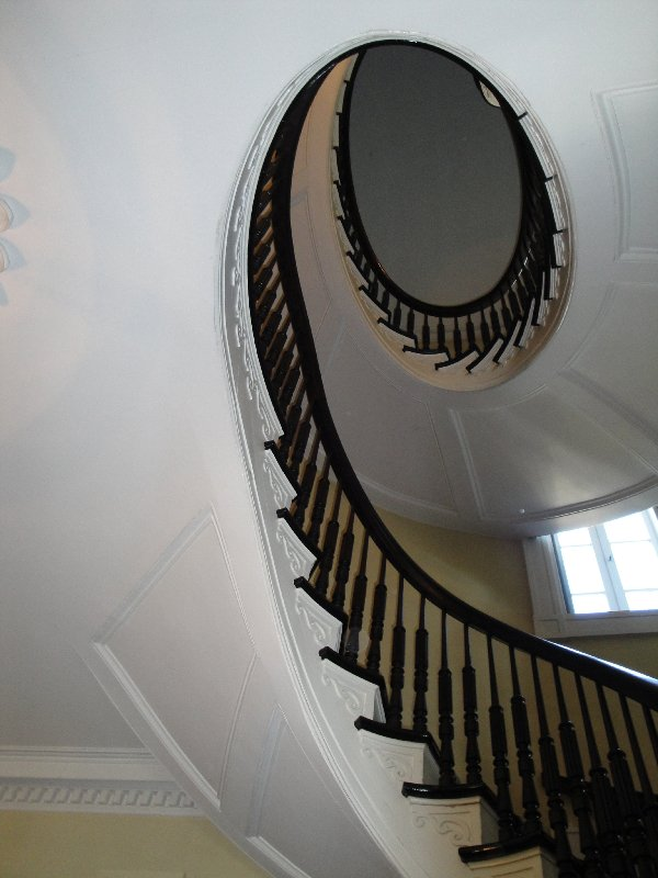 bartow-pell-mansion-staircase-1