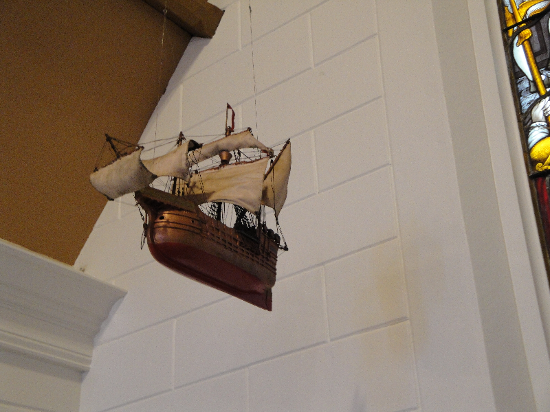 grace-church-boat-at-altar