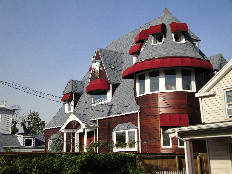 house-with-masthead-1